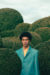 카이산의 셔츠 〈에르메스〉. 왼쪽: 카이산이 착용한 재킷 〈오프화이트 c/o 버질 아블로〉.